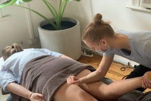 Massage of the hamstring